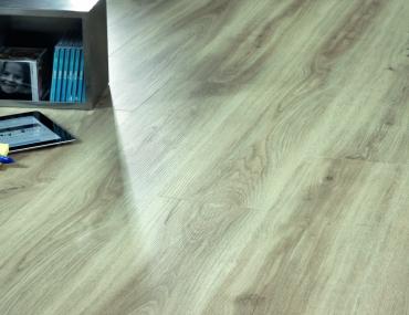 click vinila grīda Moduleo LayRed Classic Oak 24228 LR