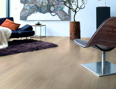 Quick-Step lamināts Eligna Light grey varnished oak EL1304 32. klase