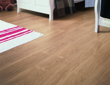Quick-Step lamināts Eligna White varnished oak EL915 32. klase