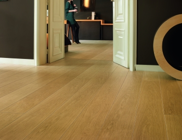 Quick-Step lamināts Largo Natural varnished oak LPU1284 32. klase