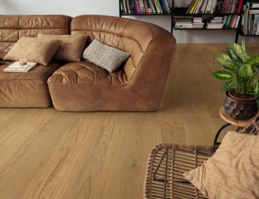 Trīsslāņu parkets Quick-Step Compact Grande Light chestnut oak extra matt COMG5113